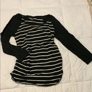 Long sleeve maternity shirt